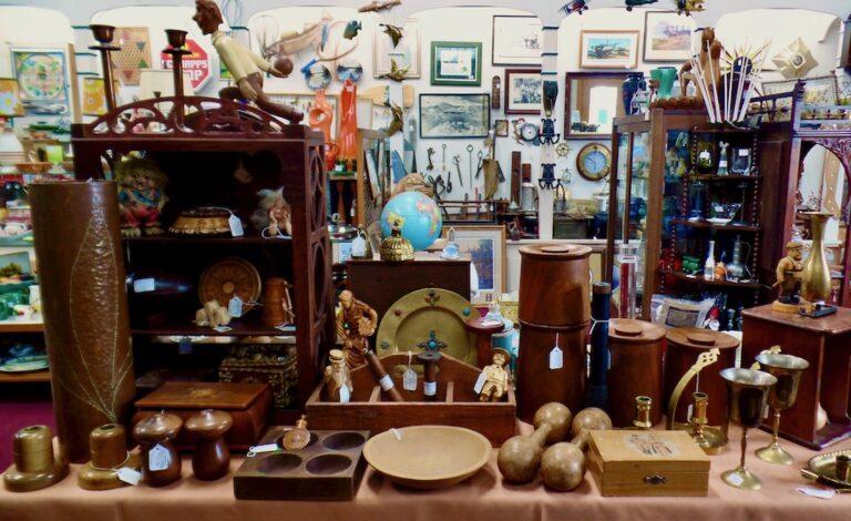 02 Antiques Shop 768x470