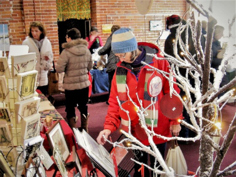 15 Holiday Boutique 768x576